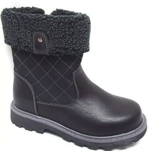 Shoes - 🍁☁⛅ Kids Black Quilted Boots 🍁☁⛅
